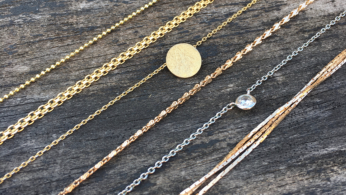 Gold jewelry necklaces