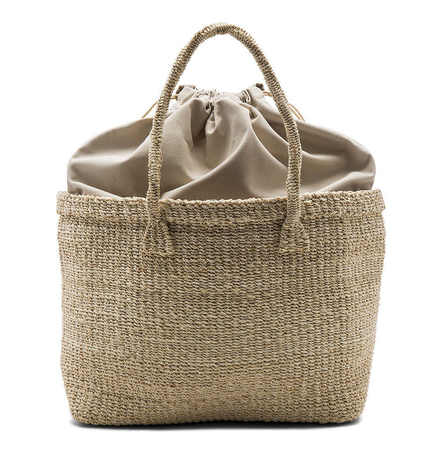 Straw bag in natural back view